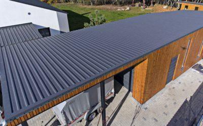 Ce determină alegerea unui înveliș de acoperiș – un ghid practic